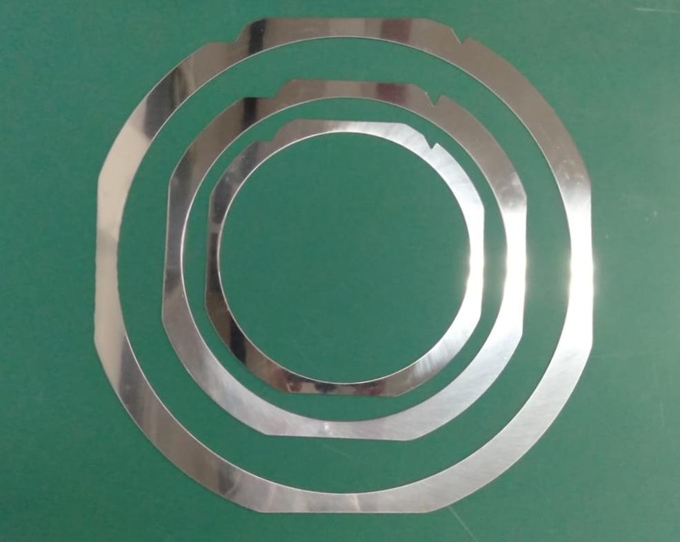 Wafer Ring Frame - 3 Rings - Plain Background